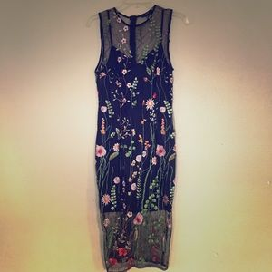 Embroidered Flowers Pencil Dress
